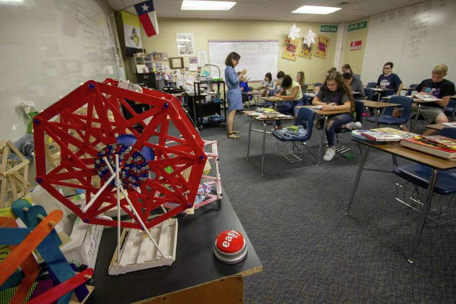 Students in the Academy for Careers in Engineering and Science take a final test on the last day of school Thursday, May 30, 2019 at Oak Ridge High School in The Woodlands. Photo: Cody Bahn, Houston Chronicle / Staff Photographer / © 2018 Houston Chronicle