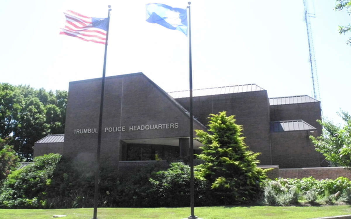 A pair of drunk drivers inadvertently turned themselves into police over the past week. One on Tashua Road and the other right in the parking lot of police headquarters.