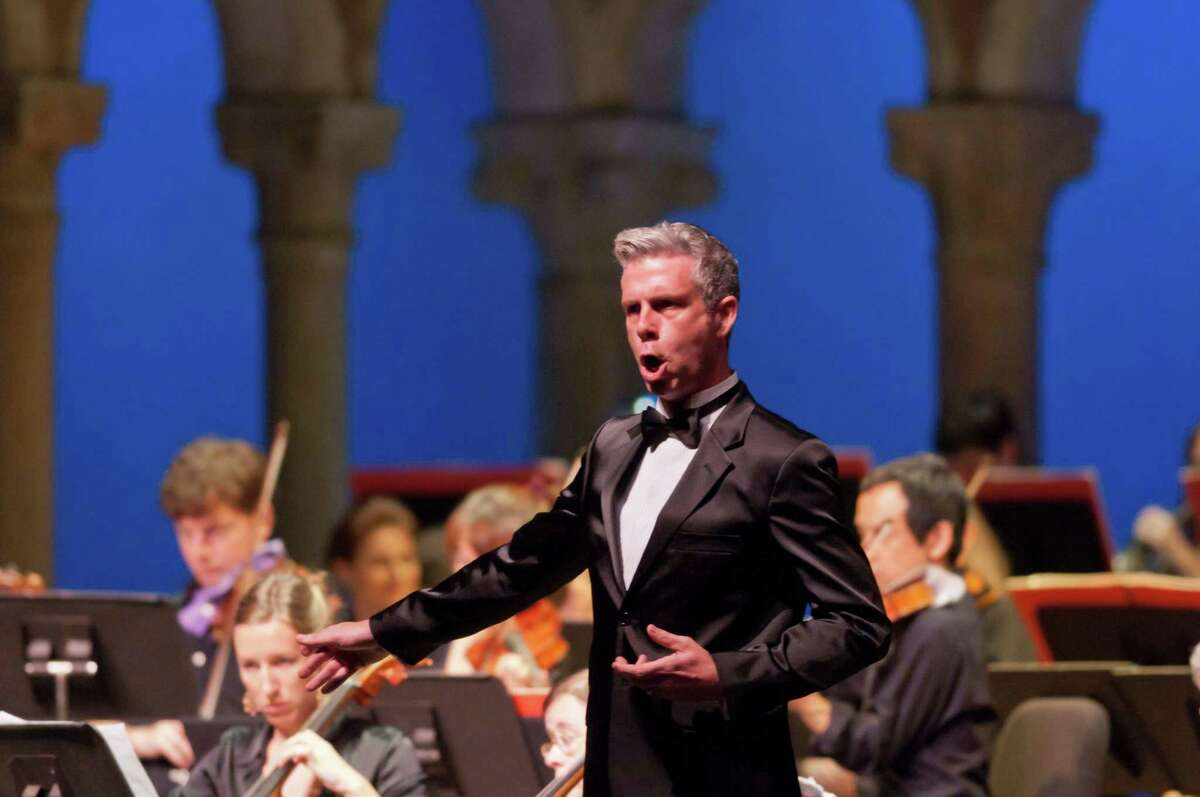Bass-baritone Daniel Mobbs, one of America's masters of Bel Canto, will perform with Teatro Nuovo at the Cole Auditorium at Greenwich Library at 3:30 p.m. June 9. He will be joined by pianist Rachelle Jonck and a select group of singers. The immortal trio of Bel Canto composers - Rossini, Bellini, and Donizetti - provide the program. Registration at greenwichlibrary.org. Doors open at 2:45 p.m. for the expected large crowd.