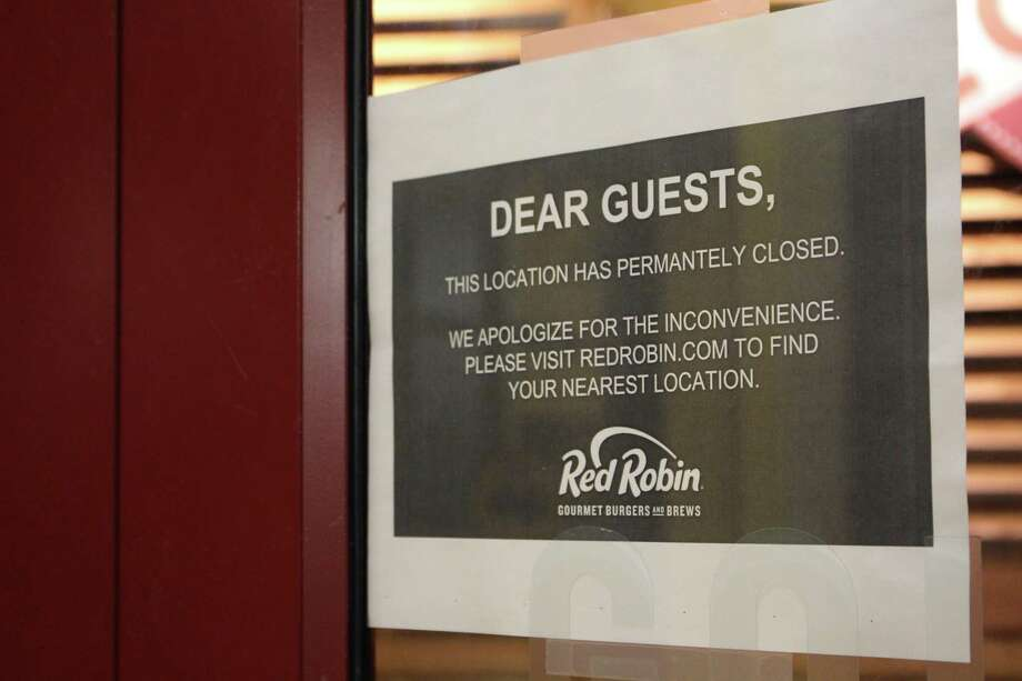 Red Robin has shuttered 10 underperforming restaurants nationwide, with two in Connecticut. Photo: Jordan Grice / Hearst Connecticut Media / Connecticut Post