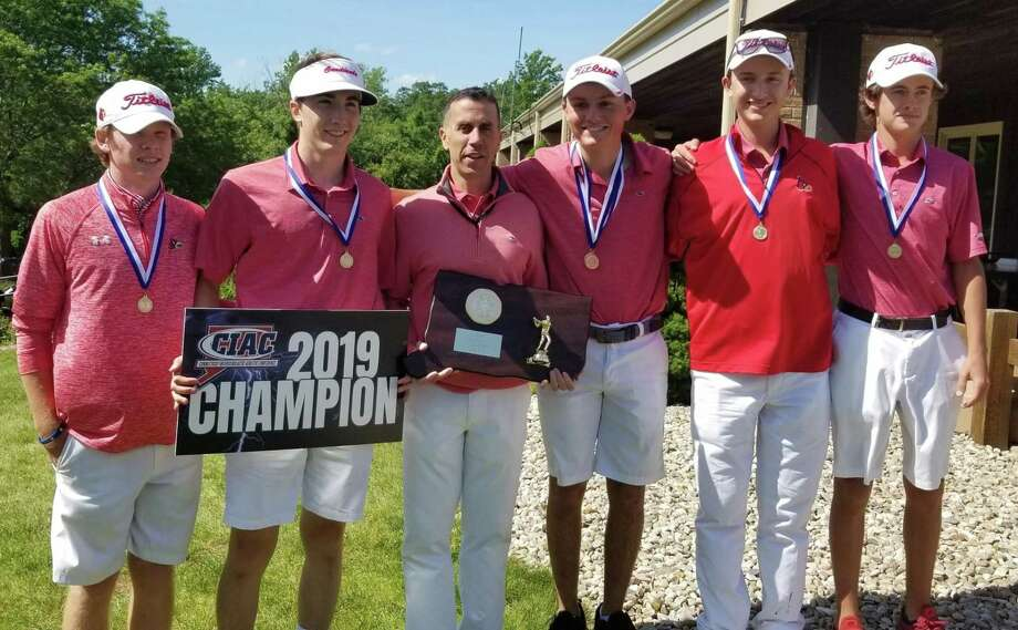 Greenwich clinched its second consecutive Division I state golf championship at Timberlin Golf Club on Monday. Photo: Joe Morelli / Hearst Connecticut Media