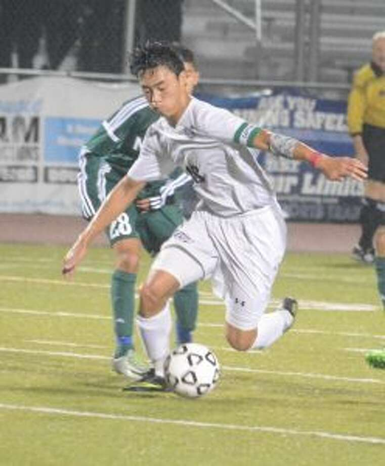 Trumbull's Thang Dao had an assist in the Eagles' 4-1 victory