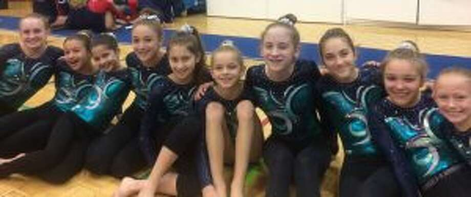 Madison John, Amy Naylor, Sydney Goldberg, Margaret Williamson, Laura Catuccio, Bailey Bajda, Lily Ayres, Alyssa Lalli, Anna Simpson and Carly Jordan, Level 5 & Level 6 girls, at the Snowflake Invitational.