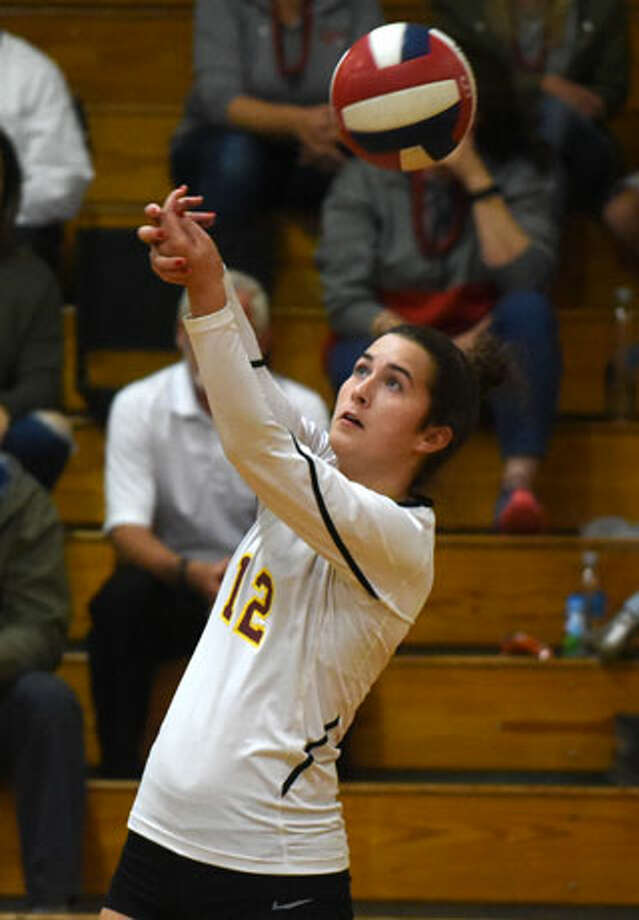 Christina Crocco sends a pass to a teammate. — Dave Stewart photo