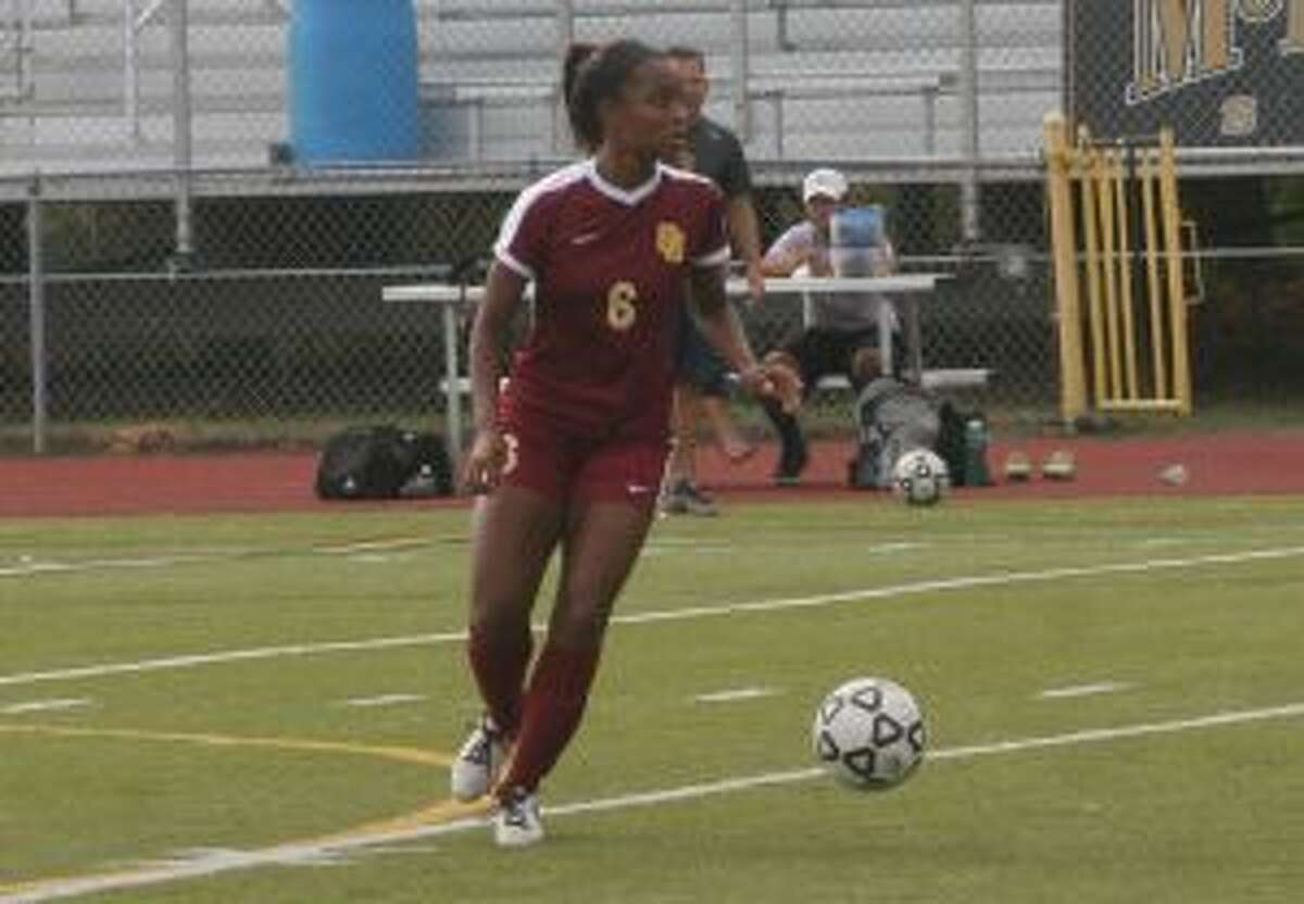 Maia Moscova prepares to strike a free kick. Her goal in the 30th minute tied things at 1-1.