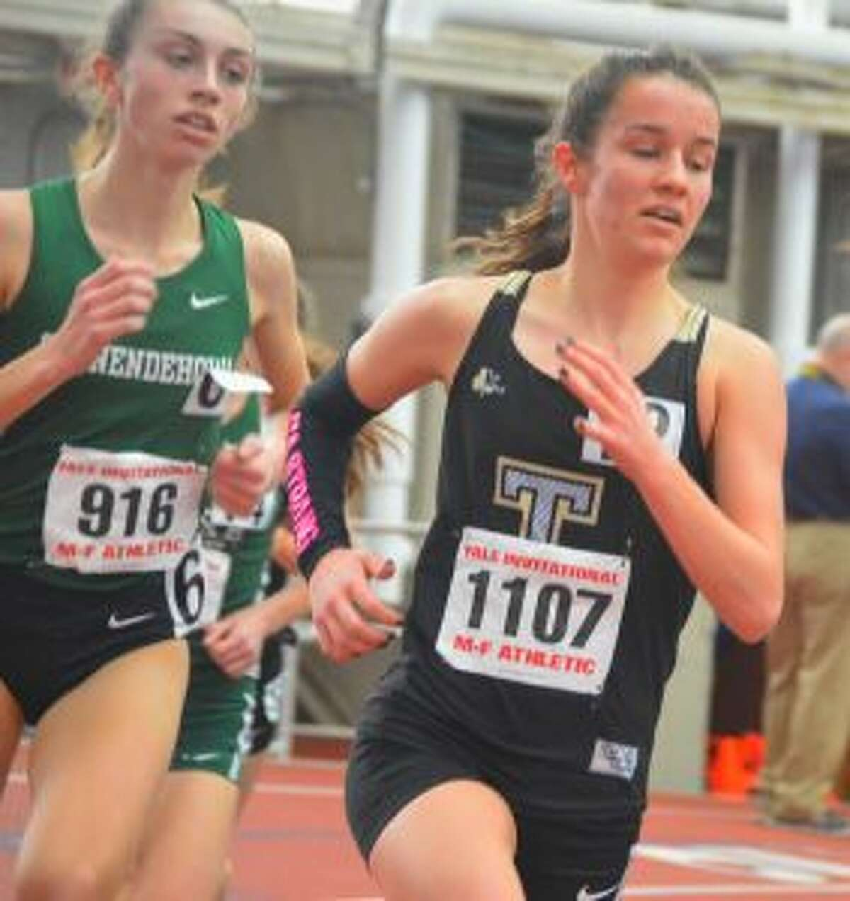 Kate Romanchick is ranked 35th in the US and qualified for Nationals with her 12th-place finish against 210 competitors from 117 schools throughout the Northeast at the Yale Invitational.