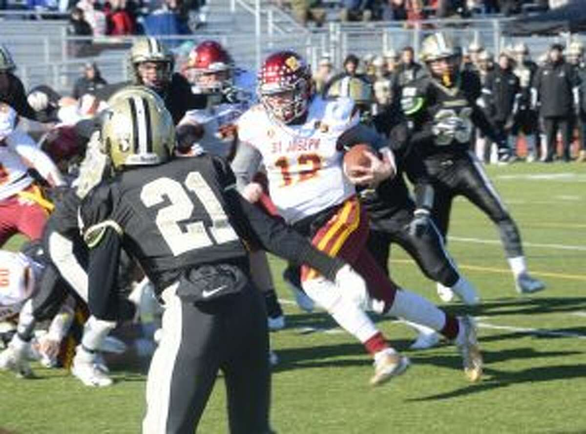 David Summers runs for a touchdown. The senior was St. Joseph co-game MVP with Robert Mihalhy. - Andy Hutchison photo