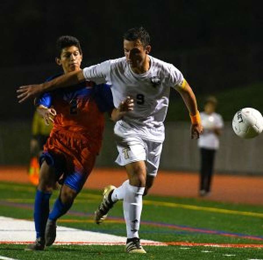 Jason Weinstein scored the game's lone goal with 6:26 remaining in the second overtime. — David G. Whitham photos
