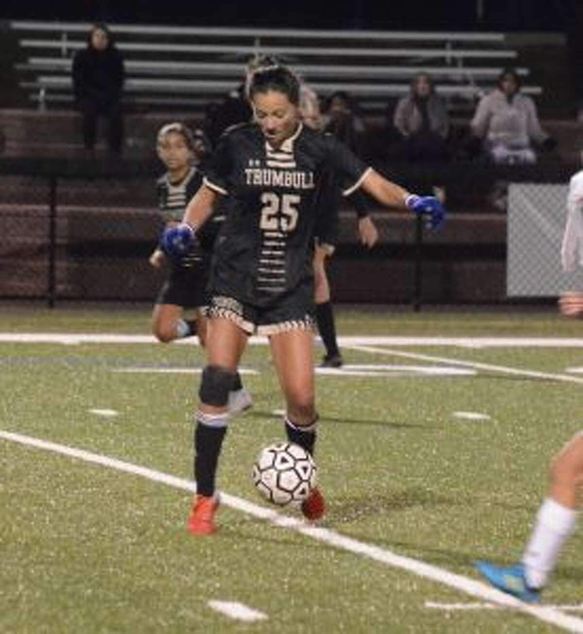 Alexa Andrews controls the ball at midfield. - Andy Hutchison photos
