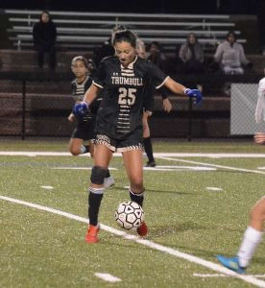 Alexa Andrews controls the ball at midfield. — Andy Hutchison photos