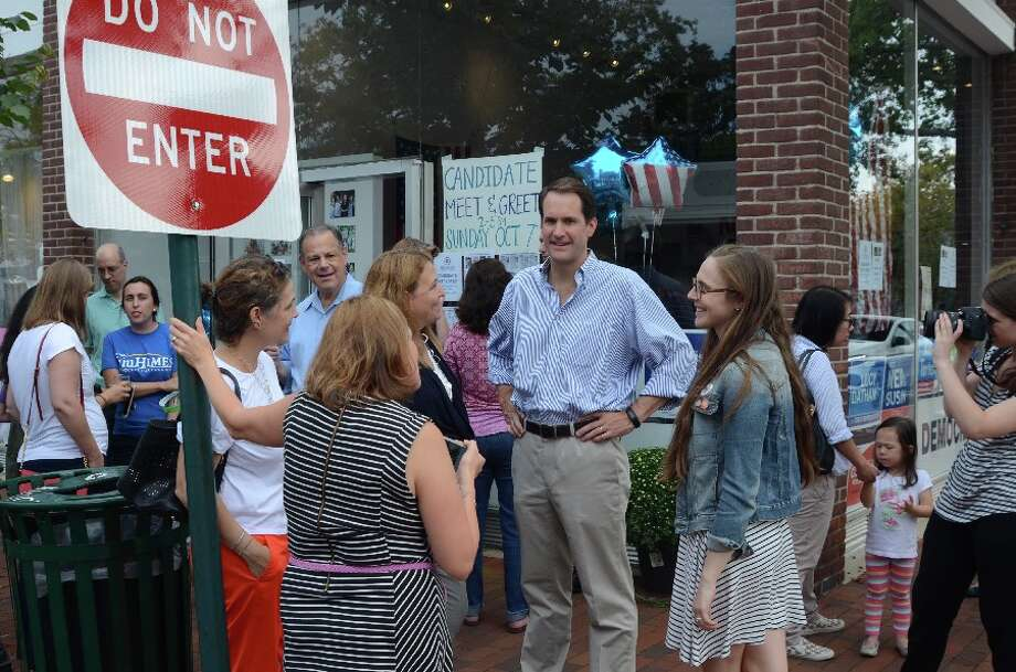 Congressman Himes greeted supporters on the Elm Street sidewalk in from of DTC headquarters Sunday afternoon, Oct. 7. — Greg Reilly