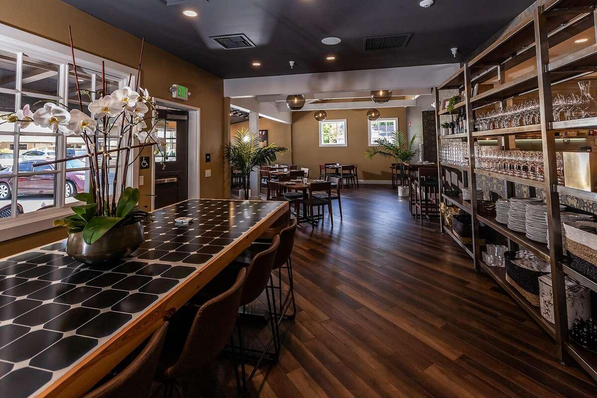 Willi's Wine Bar has reopened in Santa Rosa.