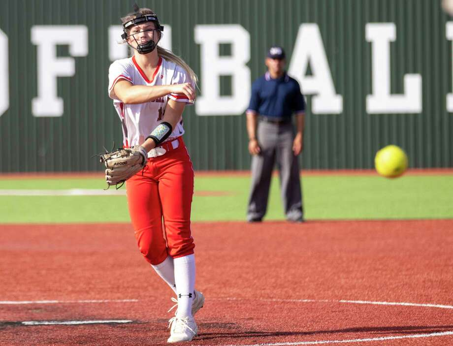 Splendora pitcher Caleigh Millican (14) throws the ball during game two of a Region III-4A semifinal softball series Friday, May 17, 2019 at Madisonville High School in Madisonville. Photo: Cody Bahn, Houston Chronicle / Staff Photographer / © 2018 Houston Chronicle