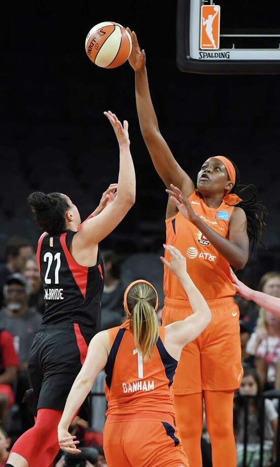 LAS VEGAS, NEVADA - JUNE 02: Jonquel Jones #35 of the Connecticut Sun blocks a shot by Kayla McBride #21 of the Las Vegas Aces during their game at the Mandalay Bay Events Center on June 2, 2019 in Las Vegas, Nevada. The Sun defeated the Aces 80-74. NOTE TO USER: User expressly acknowledges and agrees that, by downloading and or using this photograph, User is consenting to the terms and conditions of the Getty Images License Agreement. (Photo by Ethan Miller/Getty Images ) Photo: Ethan Miller / Getty Images / 2019 Getty Images