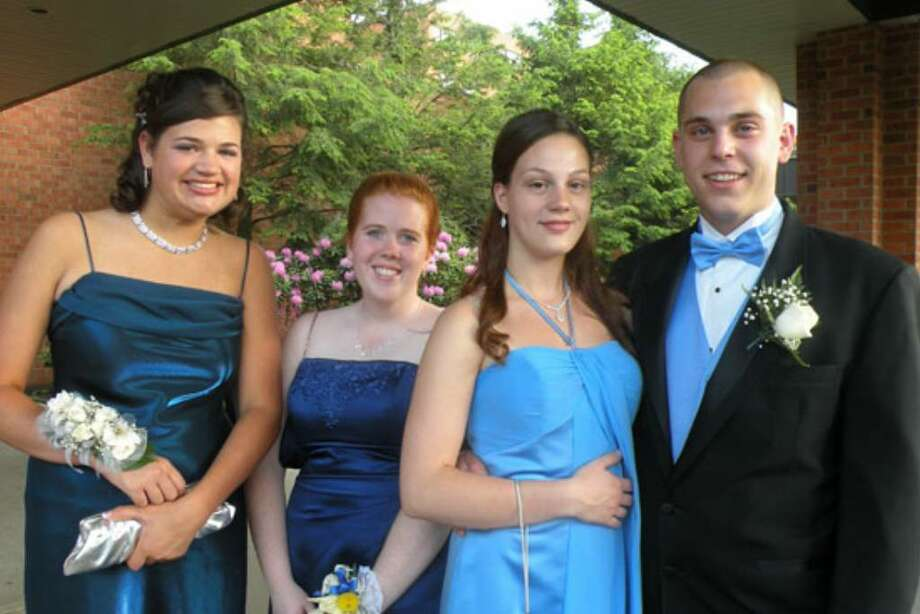 Were you seen at 2009 Colonie prom? Photo: Gwen Girsdansky