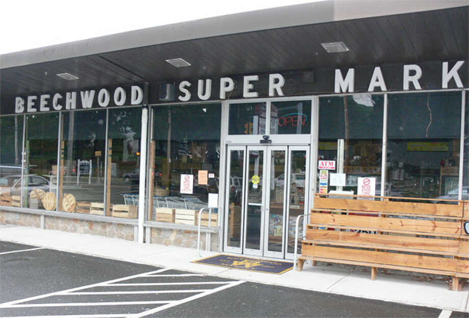 The outside of the closed Beechwood Market in Shelton's Huntington Center.