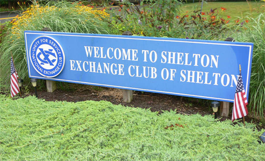 "This Exchange Club ""Welcome to Shelton"" sign is at intersection of Bridgeport Avenue and Huntington Street, near the Route 8 interchange."