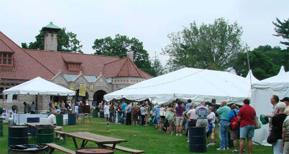 The crowd gathers on opening day at a past Pequot Library book sale.