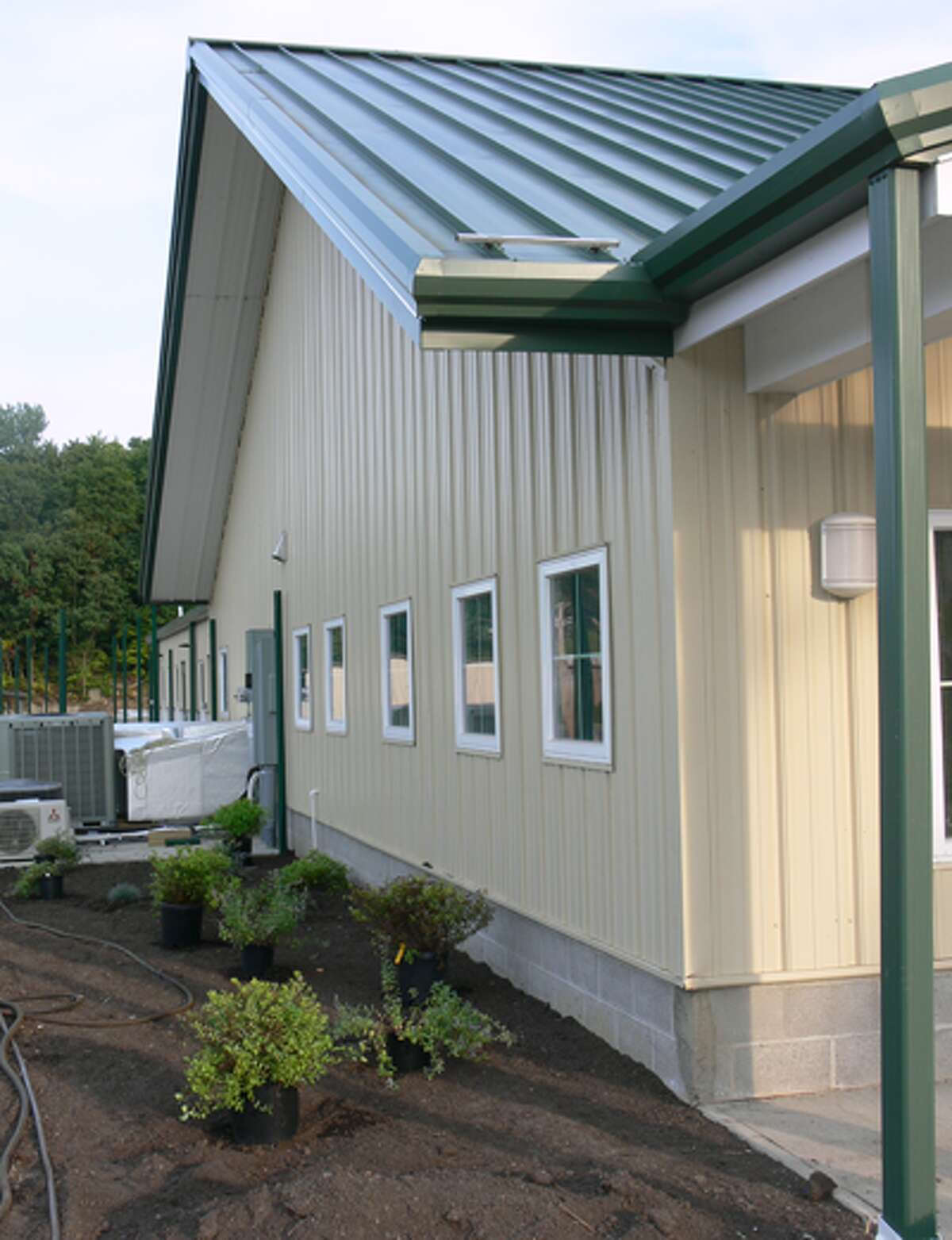 A side view of the animal shelter building.