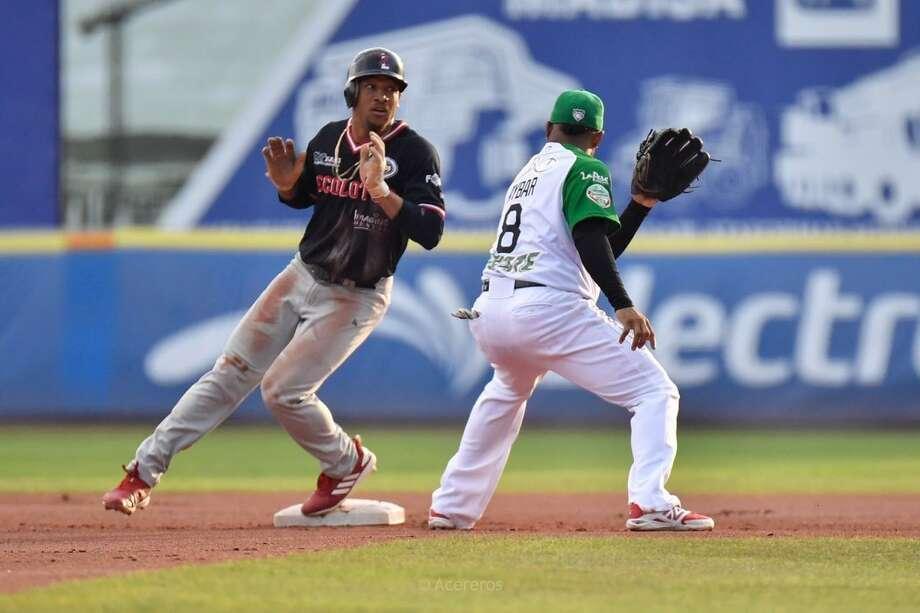 Tecolotes Dos Laredos center fielder Johnny Davis Photo: Courtesy Of The Tecolotes Dos Laredos