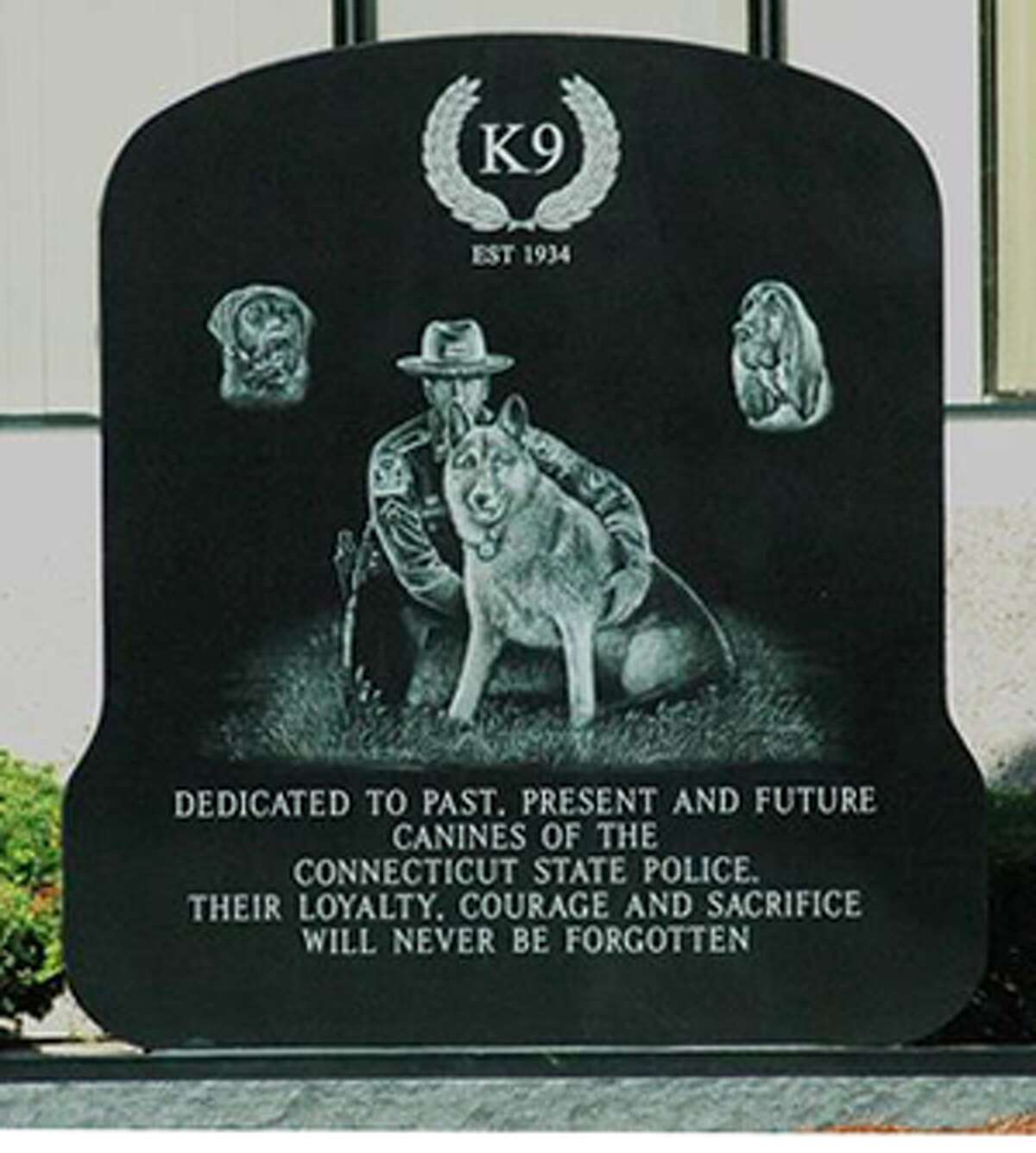 The Connecticut State Police canine memorial recently was unveiled at State Police headquarters in Middletown.