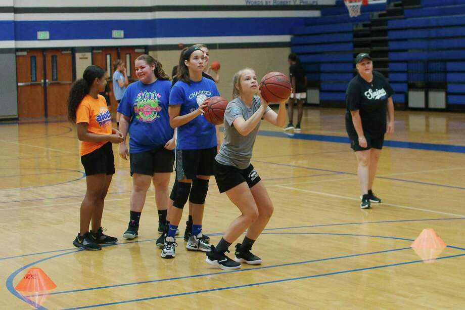 Alyssa Freeman participates in a shooting drill at the Clear Springs summer girls basketball camp. Photo: Kirk Sides / Staff Photographer / © 2019 Kirk Sides / Houston Chronicle