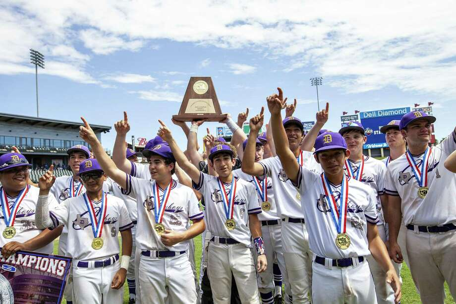 D'Hanis players celebrate as they sing their school song after their win over New Hope at their 1A UIL baseball state championship game at the Dell Diamond on June 6, 2019 in Round Rock, Texas. Photo: Thao Nguyen, Contributor / Copyright: Thao Nguyen