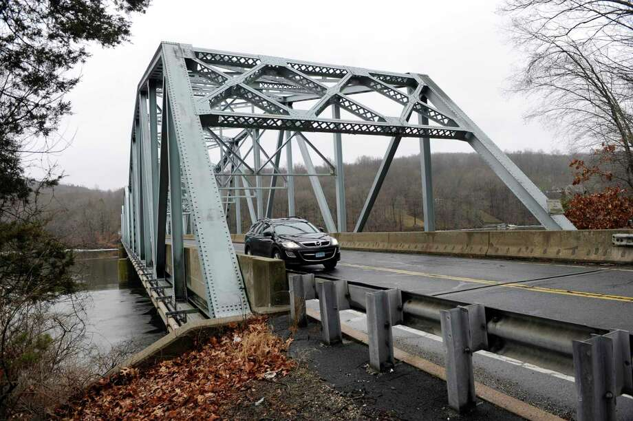 The Route 133 bridge on the Brookfield-Bridgewater border that runs over the Housatonic River on Wednesday, January 18, 2017. Photo: Carol Kaliff / Hearst Connecticut Media / The News-Times
