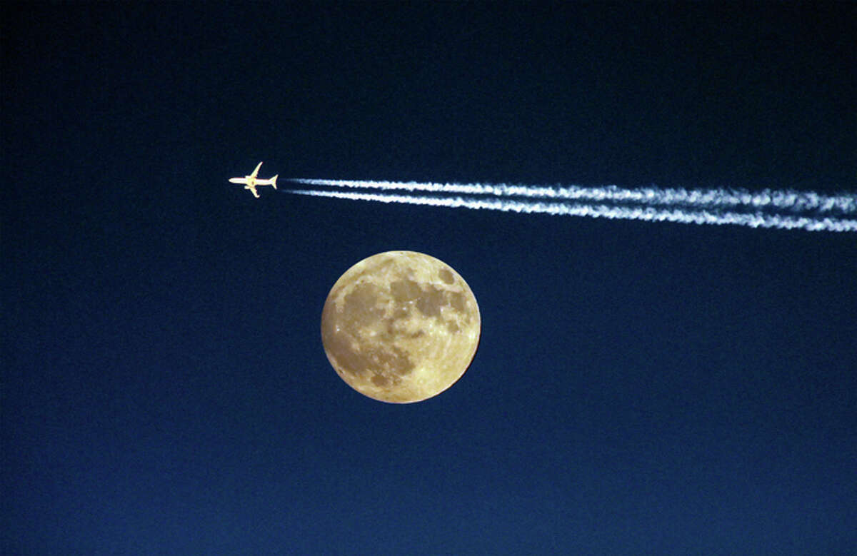 """Environmentalists are fighting airlines' carbon emissions with a """"flight-shaming"""" movement."""