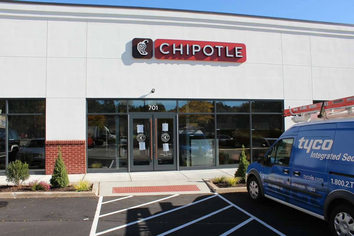 Storefront view of Shelton's first Chipotle located at 701 Bridgeport avenue - Aaron Berkowitz photo