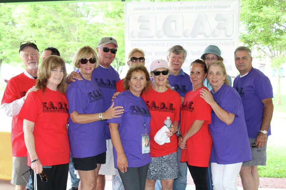 Markarian in the middle (Purple shirt) surrounded by F.A.D.E supporters and participants following the race.