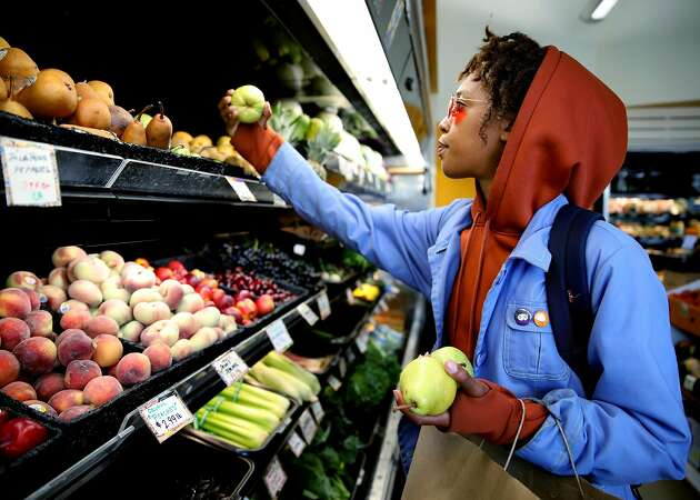 Mandela Grocery Cooperative marks 10 years in West Oakland
