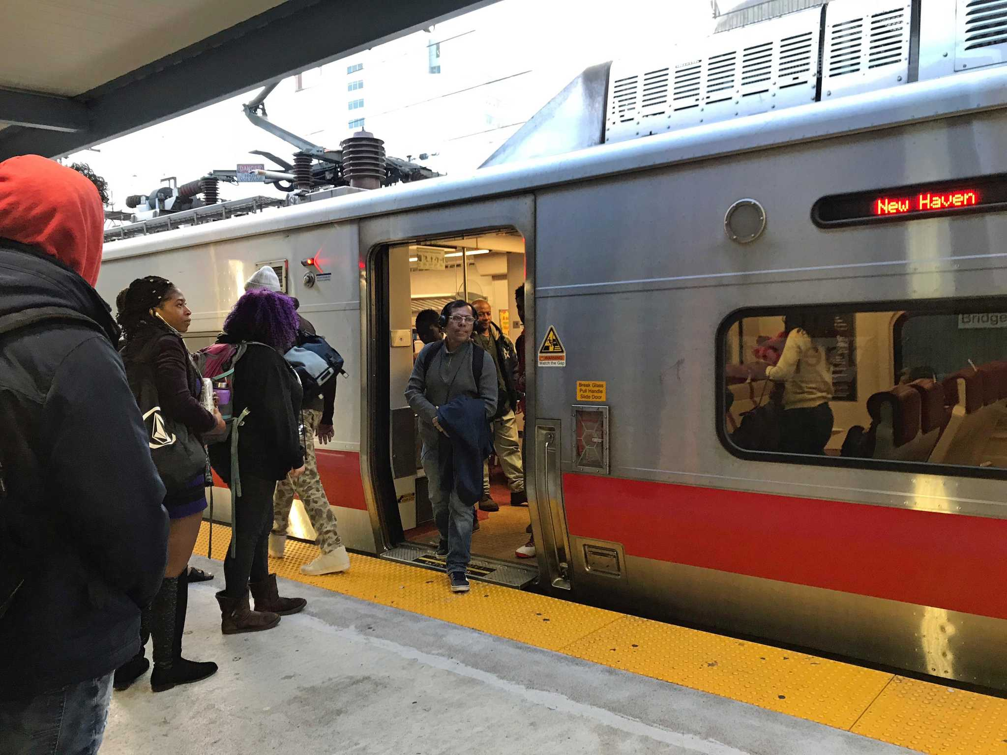 Unattended bag causes delays on Metro-North's New Haven Line