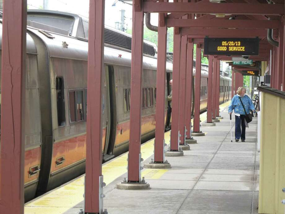 The New Canaan line of the Metro North railroad had good service Monday, May 20, 2013. Trains ran on time and were not crowded. Photo: Tyler Woods / Tyler Woods / New Canaan News