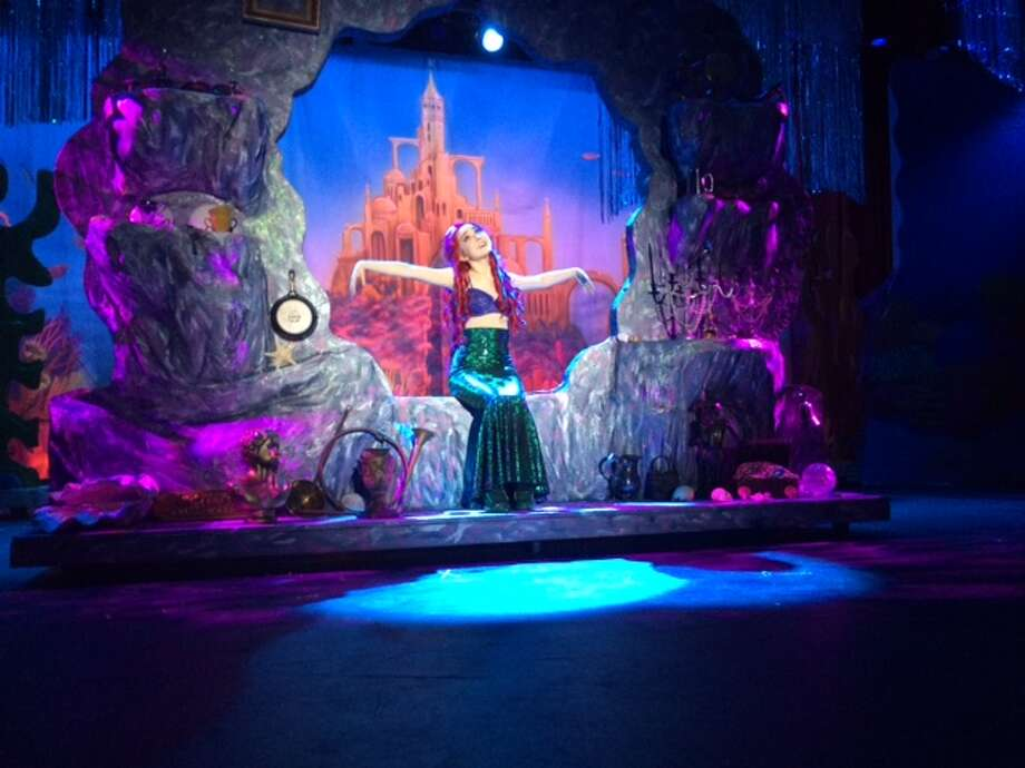 Ana Frentress as Ariel