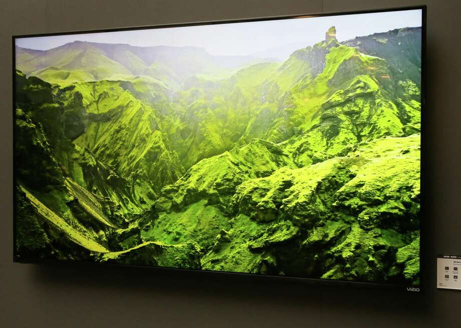 Even the mainstream M-Series gets quantum dots from Vizio in 2019, which addresses a big weakness of the 2018 version. They range from 43 to 65 inches and have up to 90 zones of local dimming and 600 nits peak light output. Photo: CBSI/CNET