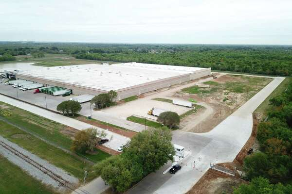 An expansion of the Gulf States Toyota's Parts Distribution Center in Sealy increased the size of the facility to 426,000 square feet.