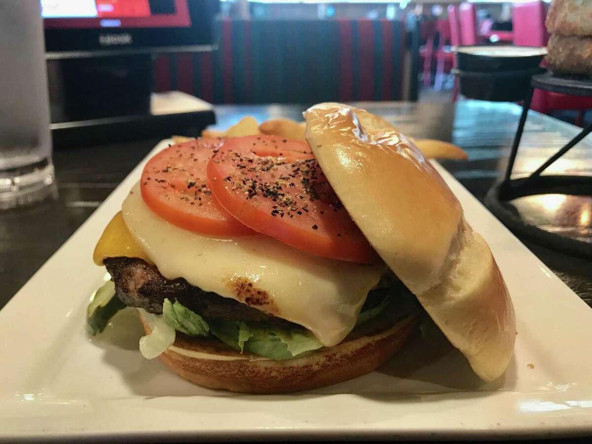 Master Cheeseburger at Red Robin at Marq-E Entertainment Center