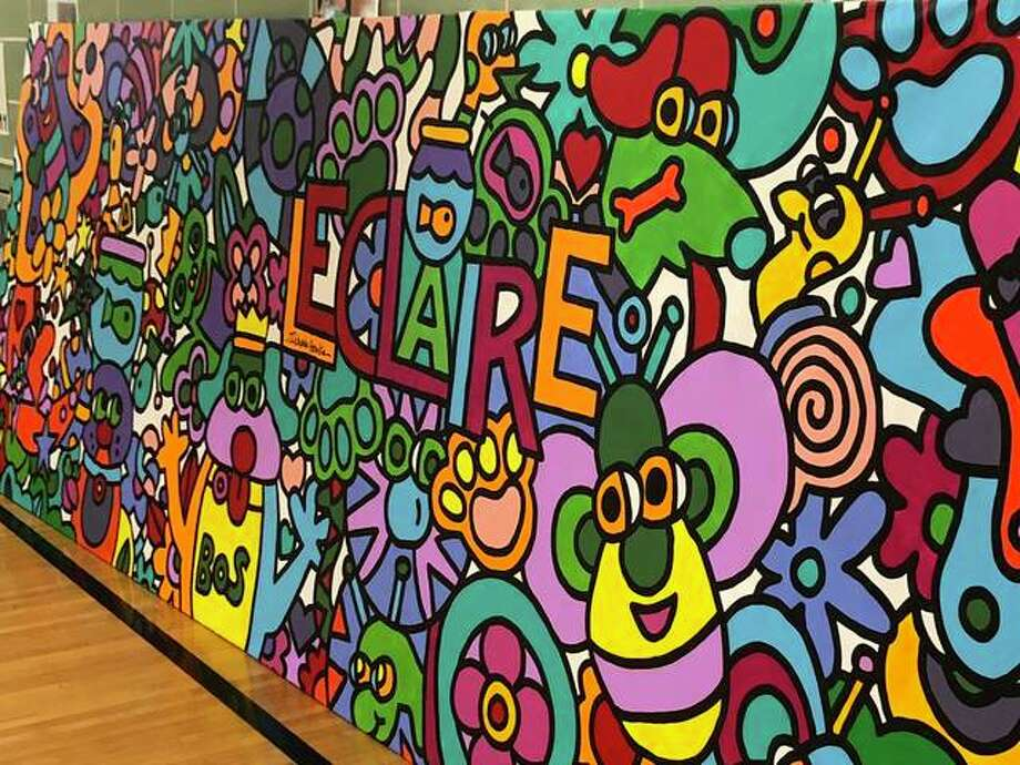 Leclaire Elementary second-graders created this mural with the help of St. Louis artist Charlie Houska. The mural will adorn the school's media center wall. Photo: Julia Biggs | The Intelligencer