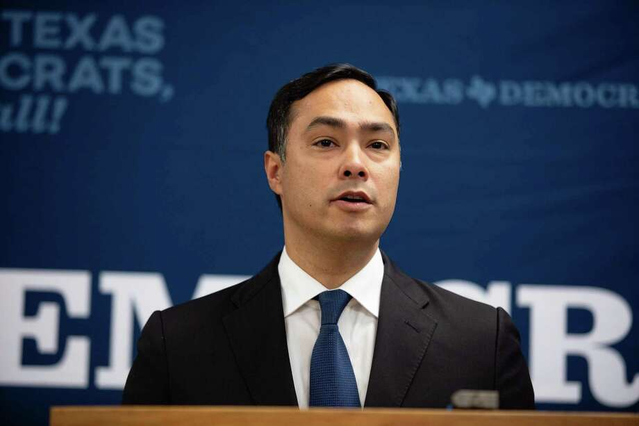 Rep. Joaquin Castro, D-San Antonio, took photos of the migrants with their permission during a tour in a Border Patrol facility on July 1, 2019. Photo: Brett Buchanan /Contributor / Brett Buchanan