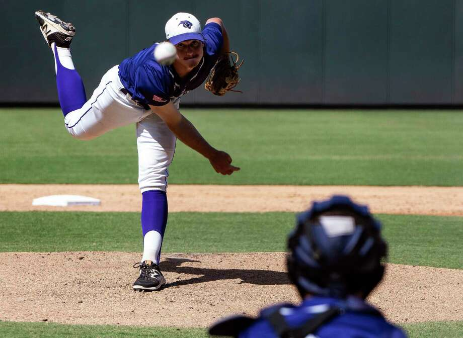 Fort Bend Ridge Point Hayde Key, (4), pitcher against McKinney Boyd during the first inning of UIL Class 6A state championship held at the Dell Diamond, Friday, June 7, 2019, in Round Rock, Texas. Photo: Rodolfo Gonzalez, Contributor / Houston Chronicle / 2019 Rodolfo Gonzalez/GonzoFotoz