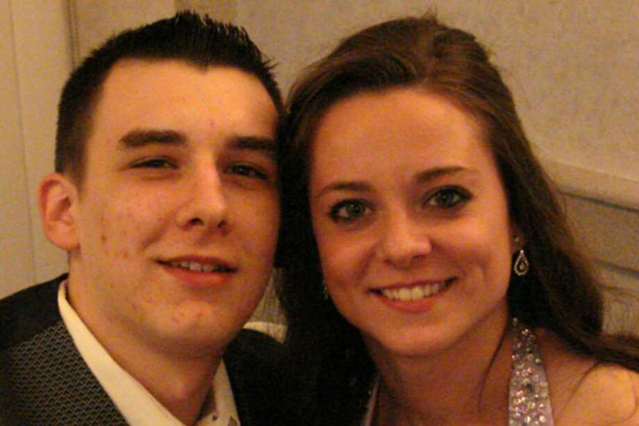 Were you seen at 2009 Cohoes Junior Prom? Photo: Anne-Marie Sheehan