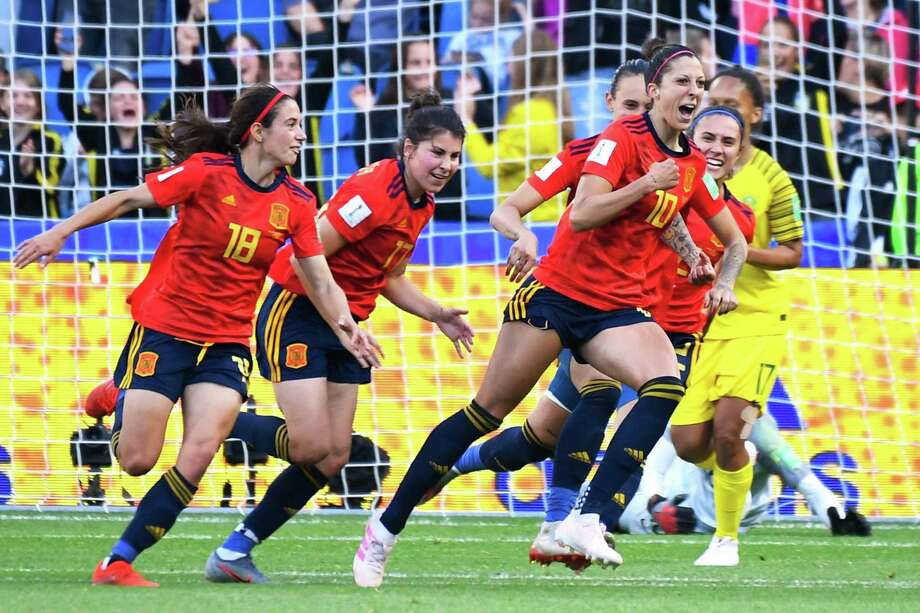 Spain's forward Jennifer Hermoso (R) celebrates with teammates after scoring a second penalty kick  during the France 2019 Women's World Cup Group B football match between Spain and South Africa, on June 8, 2019, at the Oceane Stadium in Le Havre, northwestern France. (Photo by Damien MEYER / AFP)DAMIEN MEYER/AFP/Getty Images Photo: DAMIEN MEYER / AFP or licensors