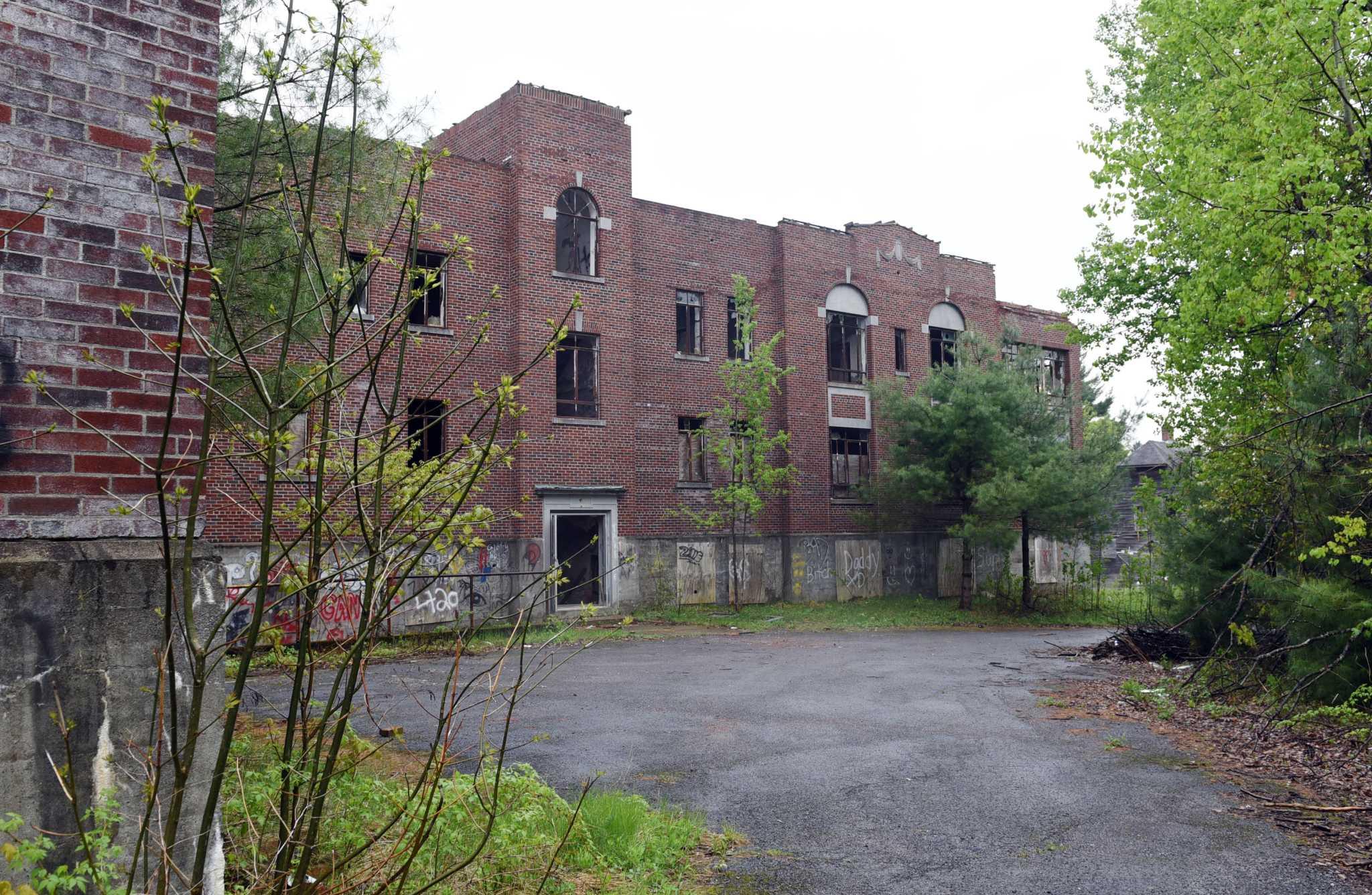 55 100 Is Top Bid For Vacant Saratoga County Asylum