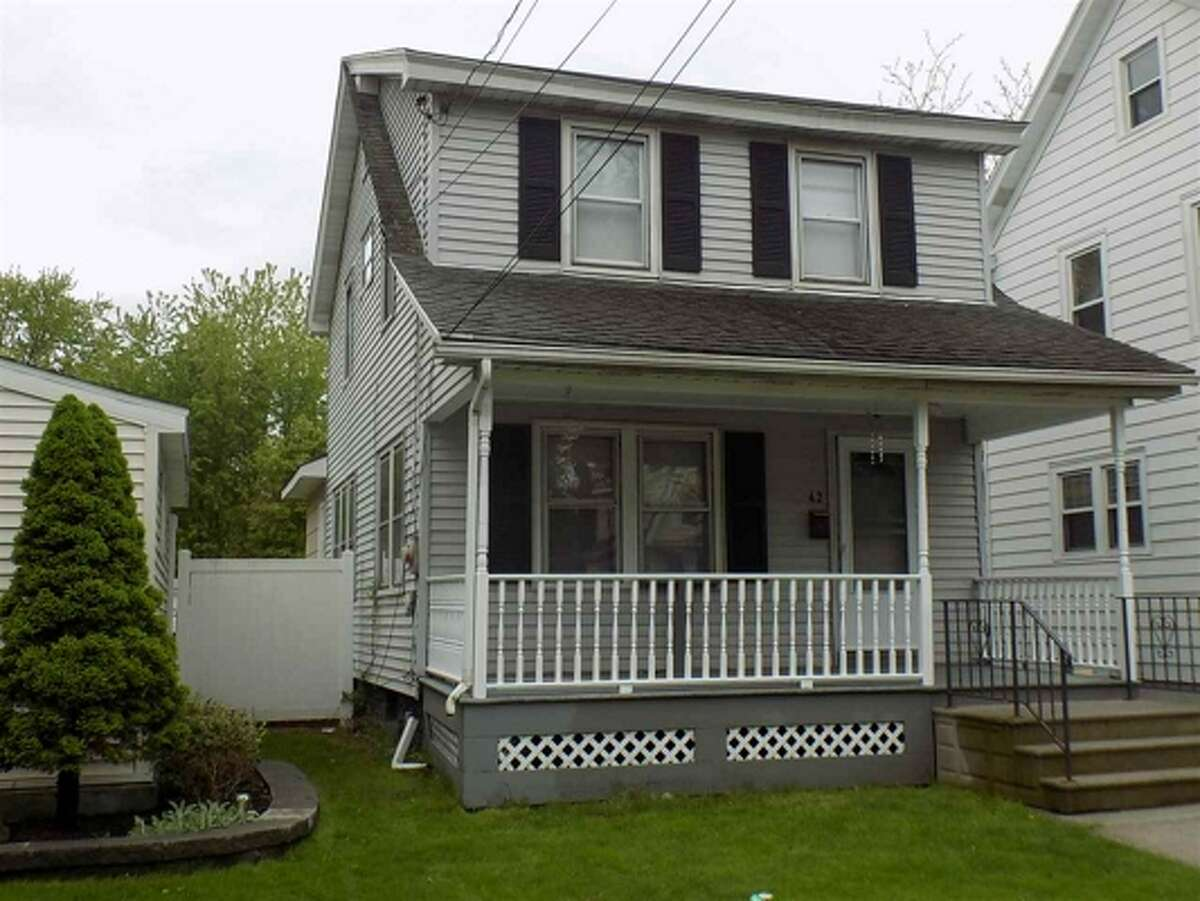 The gap between income and housing prices is delaying first-time home purchases by younger buyers. Click through the slideshow for the 4 homes listed in the Capital Region for under $300K. $179,900. 42 Norwood Ave., Albany, NY 12208. View listing.