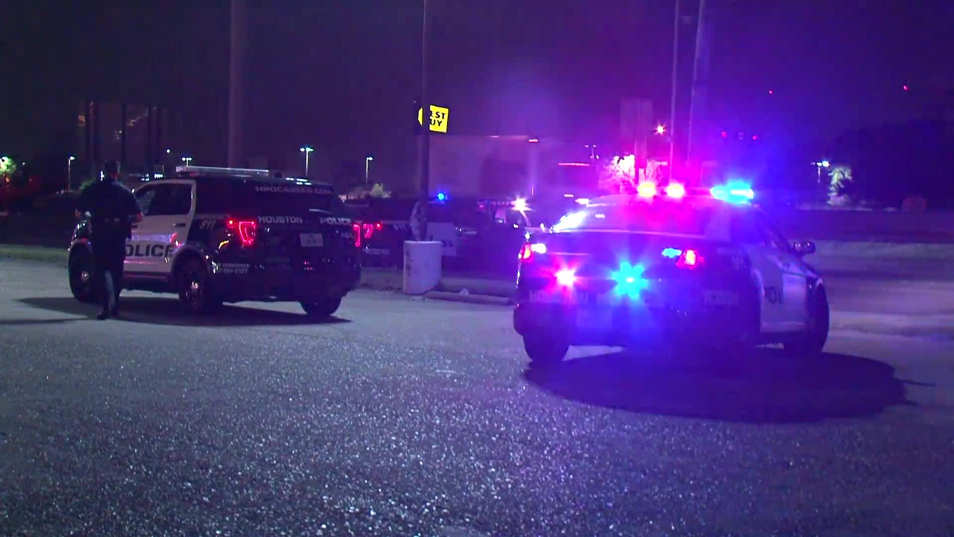 Pedestrian fatally struck on I-45 by off-duty firefighter