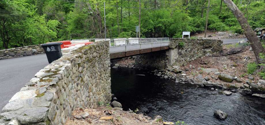 The bridge to Mianus River Park on the border of Greenwich and Stamford. Photo: File / Matthew Brown / Hearst Connecticut Media / Stamford Advocate