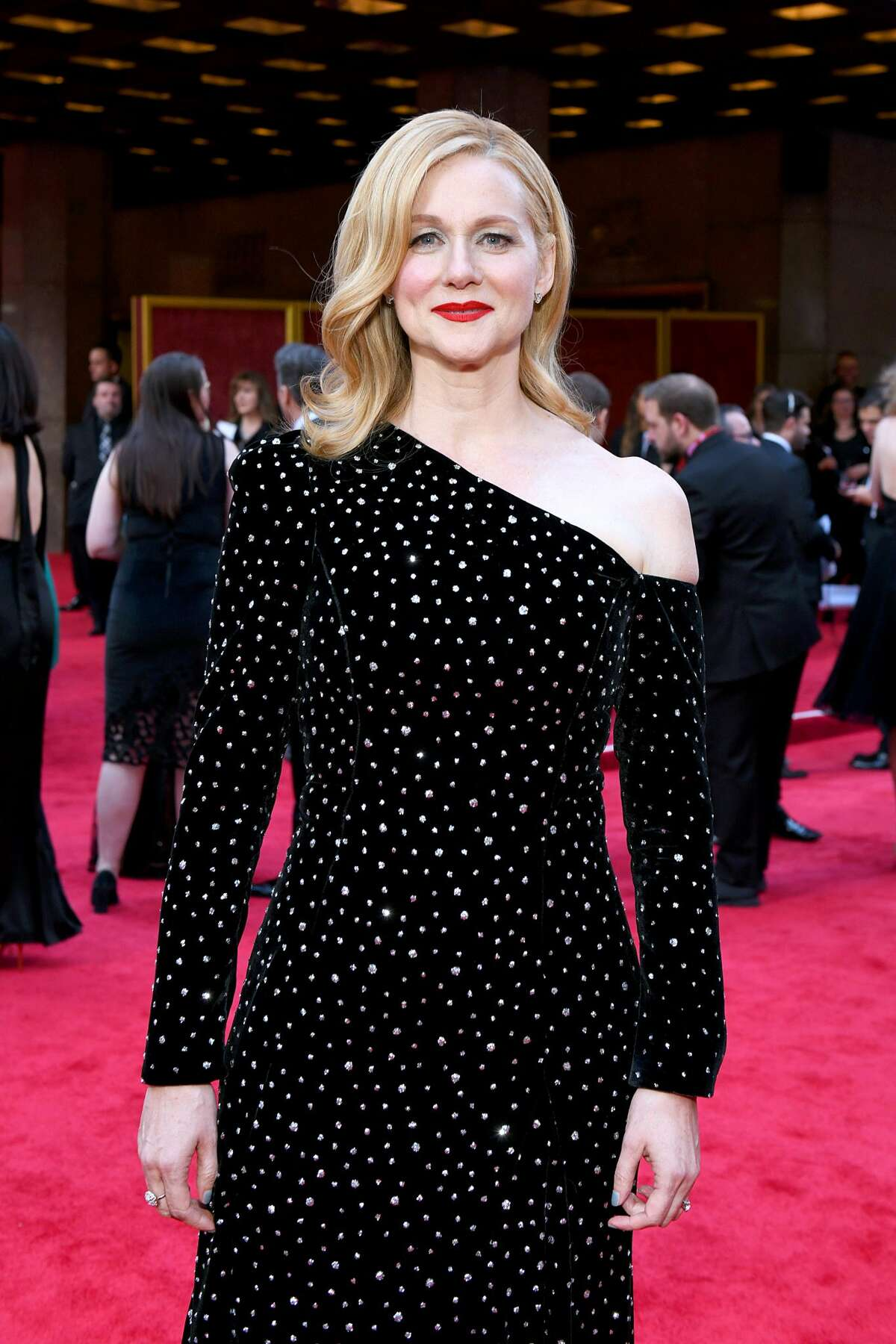 """Laura Linney attends the 73rd Annual Tony Awards at Radio City Music Hall on June 09, 2019 in New York City. 2020: Laura Linney Linney is an Emmy Award-winning actress most recently appearing in the Netflix show """"Ozark."""" She received her sward virtually as the Pudd'nhead festival was not held in person during the begining of the pandemic."""