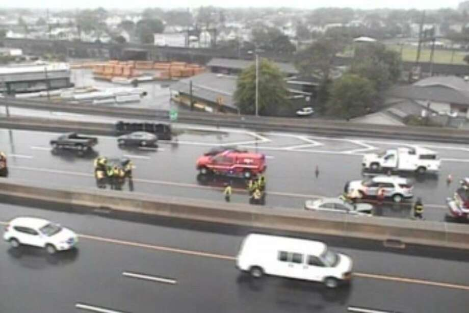 The Bridgeport I-95 accident sends five people to the hospital