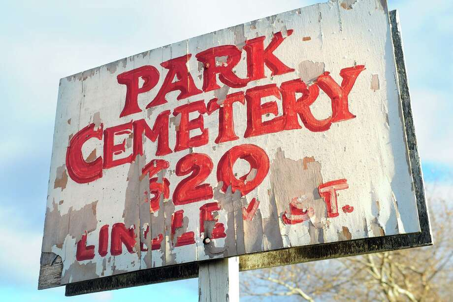 Views of Perk Cemetery, in Bridgeport, Conn. Nov. 29, 2018. Photo: Ned Gerard / Hearst Connecticut Media / Connecticut Post